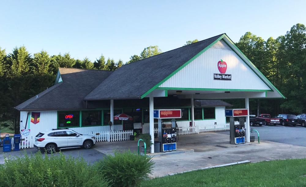 143 Whitney Blvd., Lake Lure, North Carolina 28746