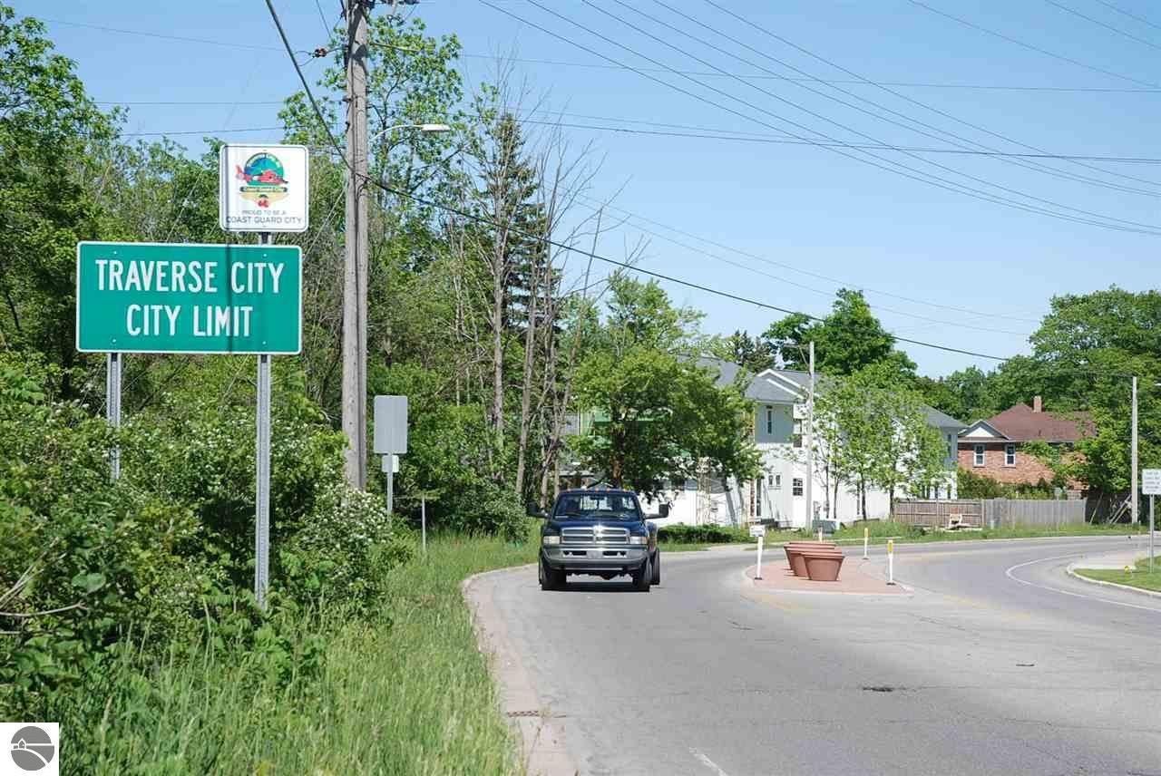 1218 W Front St, Traverse City, MI 49684, Traverse City, Michigan 49684