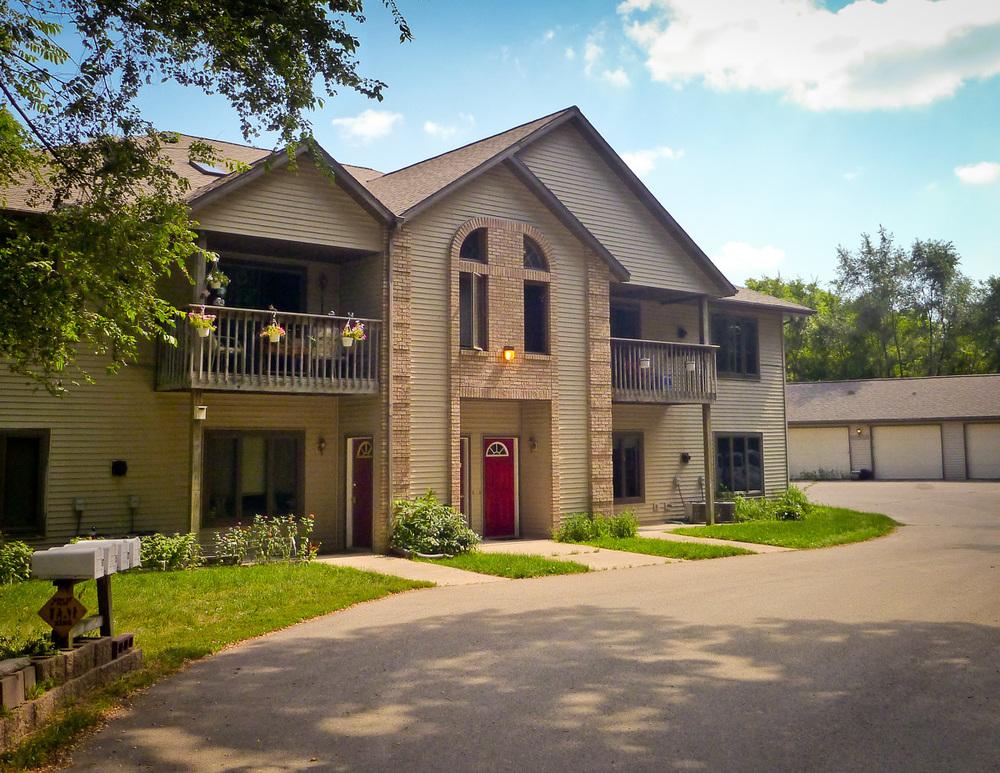 N4300 Park Rd, Cambridge, Wisconsin 53523