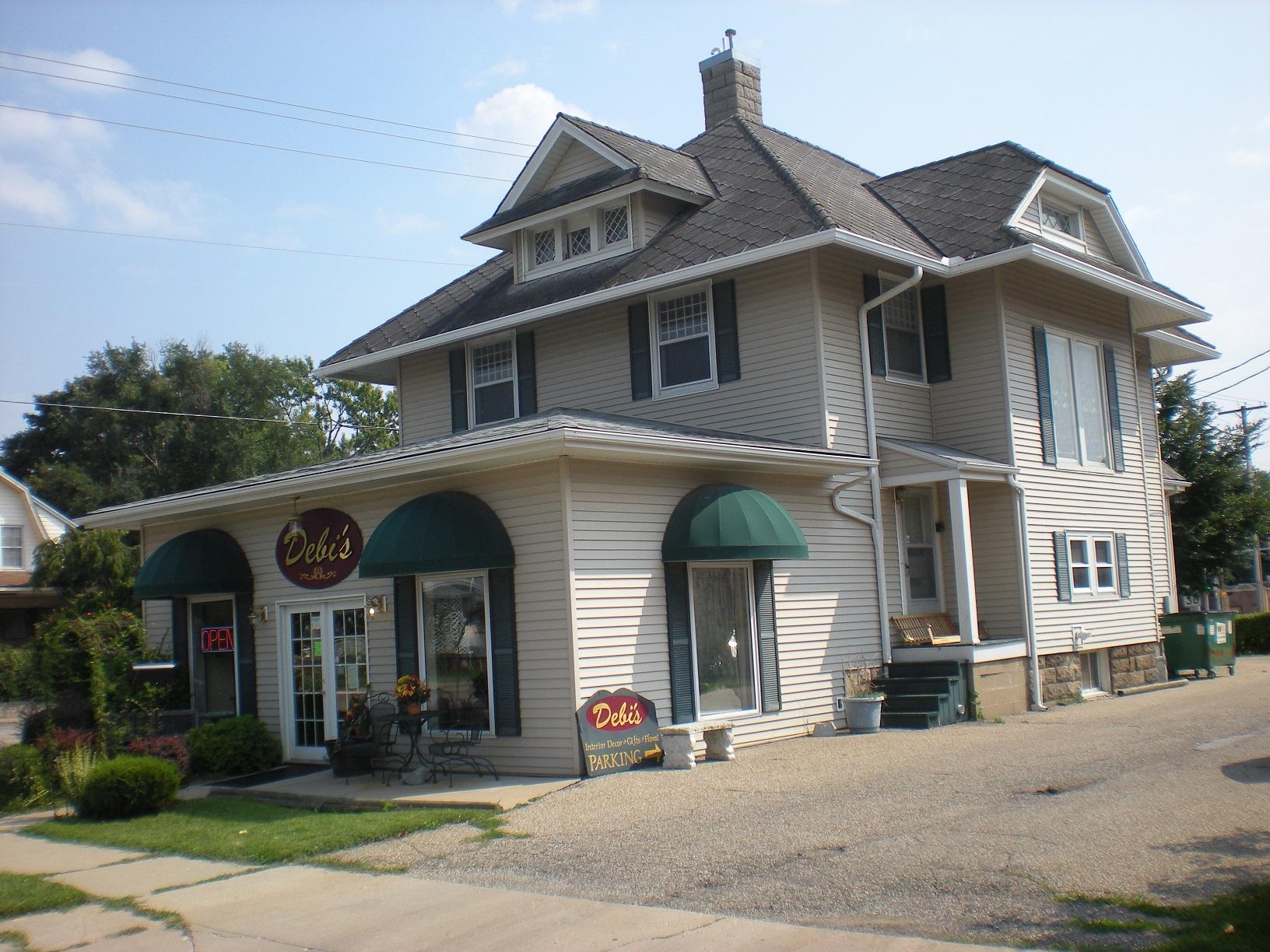 233 E Carroll St, Macomb, IL 61455, Macomb, Illinois 61455