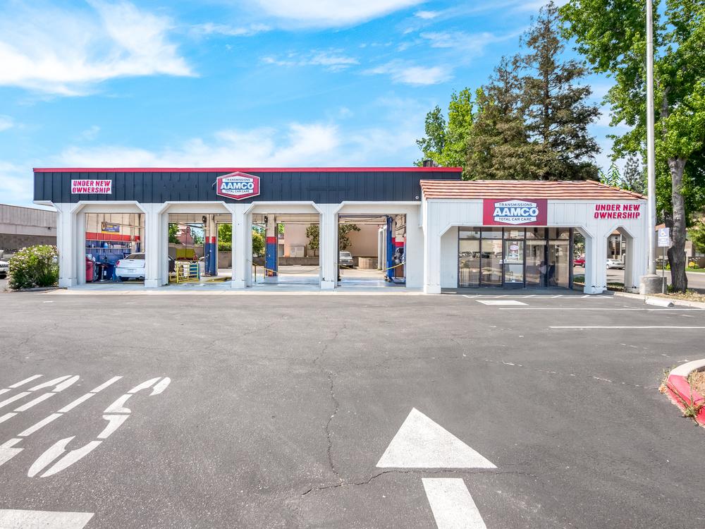 2121 Villa Avenue, Clovis, California 93612